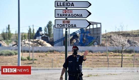 Οι κάτοικοι περιοχής της Καταλονίας εκ νέου σε καραντίνα στα σπίτια τους