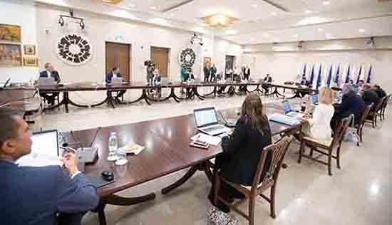 Την Τετάρτη το Υπουργικό ακούει τους επιδημιολόγους, την Παρασκευή ανακοινώνονται τα μέτρα