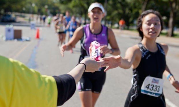 Τα ενεργειακά ποτά καταστρέφουν τα δόντια των αθλητών...