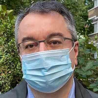 Μόσιαλος: Ο εμβολιασμός για Covid-19  δεν συσχετίζεται με κίνδυνο για έγκυες, βρέφη και νεογέννητα