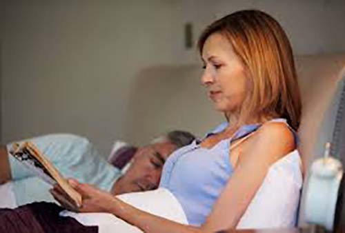 Έρευνα:  Άσθμα και αλλεργίες είναι συχνότερα στους εφήβους που μένουν ξύπνιοι έως αργά